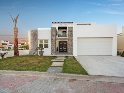 Photo for Beautiful Ocean view home Casa de Pope perfect at Sandy Beach