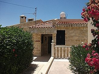 Photo for 2BR Bungalow Vacation Rental in Peyia, Paphos