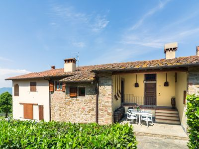 Photo for Attractive apartment on estate with vineyards and olive grove, near Florence