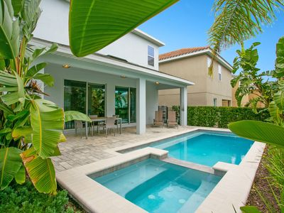 Photo for Tropical Oasis Villa 10min to Disney with Pool