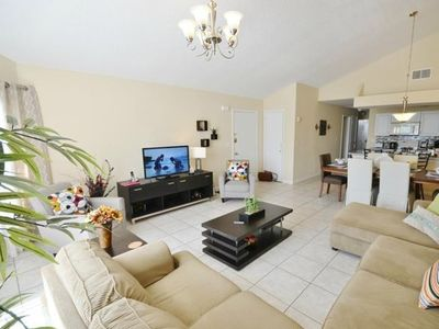 Photo for Apartment in Kissimmee with Air conditioning, Parking (528362)