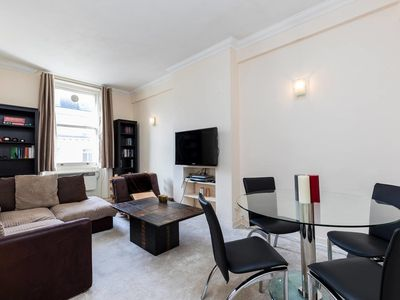 Photo for Comfortable 2 bed right in the heart of Paddington