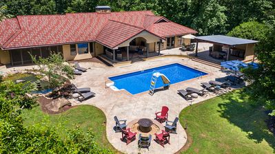 Photo for Large 6-bedroom house with dream backyard! The ultimate getaway!