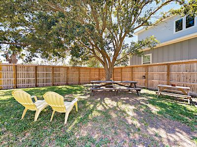 Photo for 3BR w/ Screened Porch & Yard, 5 Minutes to Beach, Parks &  Dining