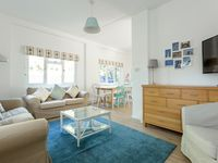 Great property, perfect location for beach and chain ferry to studland. Would highly recommend
