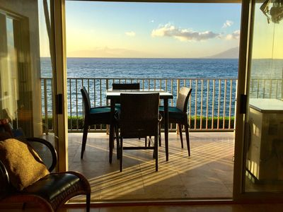 Ocean front lanai to watch turtles, enjoy your morning coffee or sunset dinner.