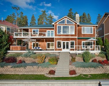 Photo for Stunning View / Waterfront Home on Lake Chelan