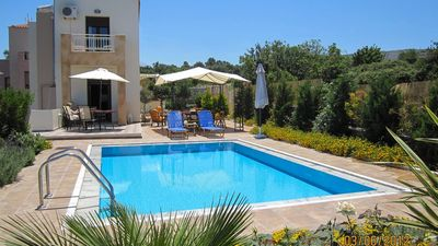 Photo for Villa with pool for 5 people outside of Rethymno