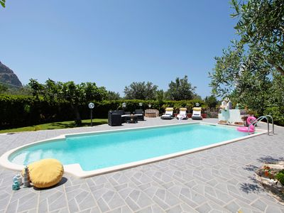 Photo for White Pearl Holiday House, PRIVATE POOL, FREE WI-FI, all the conforts
