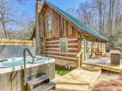 Photo for Secluded cabin close to ski, golf and tennis w/ hot tub and covered balcony!