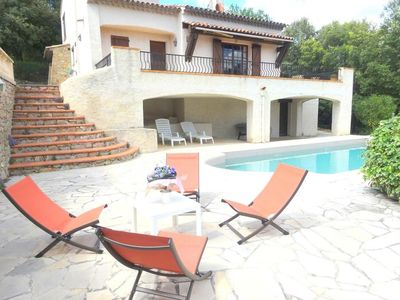 Photo for Nice holliday villa in a private area of the Haut Var
