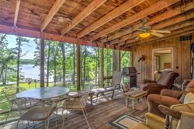 This waterfront property opens to the Kentucky Lake with ample water activities.