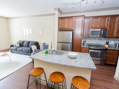 Photo for Kasa | St. Louis | Designer 1BD/1BA Central West End Apartment