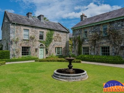 Photo for Luxury estate just 30 minutes from Dublin city with fine dining