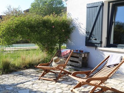 Photo for At the gates of Luberon: House with swimming pool in the village without vis-à-vis