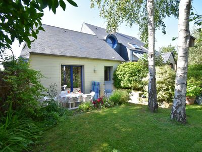 Photo for Cosy holiday home with sheltered terrace and barbecue, close to the beach