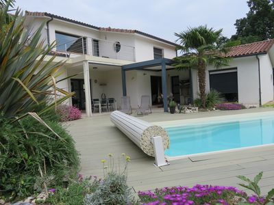 Photo for CONTEMPORARY 3 BEDROOM VILLA CLOSE TO TOULOUSE