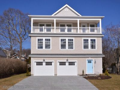 Photo for Just Built! Beach House sparkling clean, Kelly Beach Passes Included 5bed 4 bath