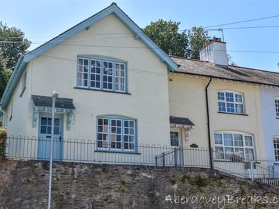Photo for Quirky Traditional 2 Bedroom  Family Cottage Just A Short Walk To Beach & Shops.