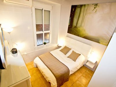 Photo for Cozy Aparment, Wifi, Air climate, 2 TV'S. Totally in the center of Seville