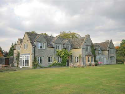 Photo for 8BR Cottage Vacation Rental in WITNEY, Cotswolds
