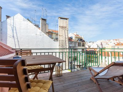 Photo for Spacious Brick apartment in Bairro Alto with WiFi, integrated air conditioning & balcony.