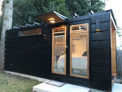 Modern Dwelling Shipping Container Studio