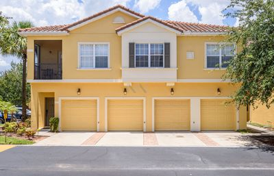 Photo for Nearest 3 beds townhouse from Disney gates