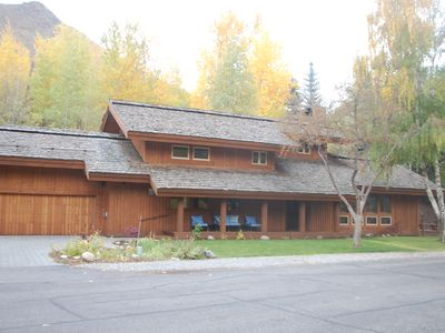 Photo for Spacious Sun Valley home; walking distance to Ketchum and the Lodge
