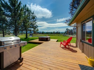 Photo for Mountain & water view home w/ on-site golf - near skiing & Bend