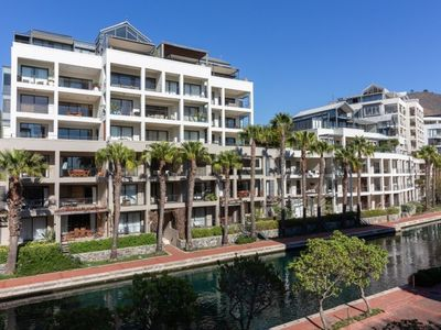 Photo for 3BR Apartment Vacation Rental in V & A Waterfront, WC
