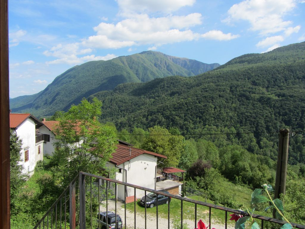3 bed luxury country house near nadiza river /soca vally relax in tranquility