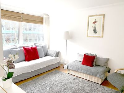 Photo for Wow! Bright Central Fitzrovia W1: Heart of Tourist London. Free Wifi King Bed