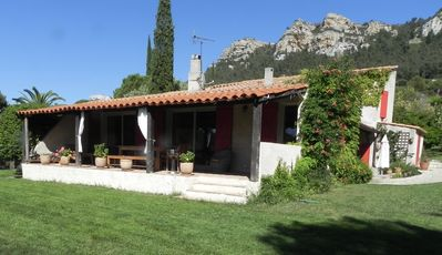 Photo for Quiet beautiful villa in the hills of Cassis (pool)