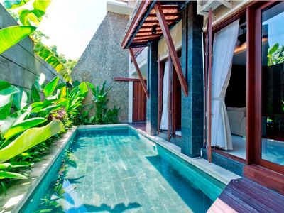 Photo for Large 6 Bedrooms villa, with pool, Kuta