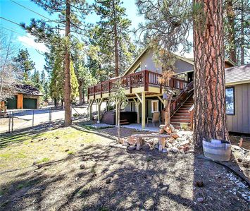 Photo for House 490 m from the center of Big Bear Lake with Parking, Internet, Washing machine, Pool (983576)
