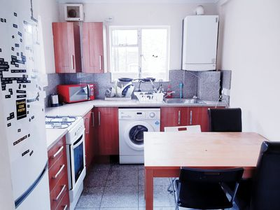 Photo for 4 Double Bedroom Flat Euston- (60b) SLEEPS8