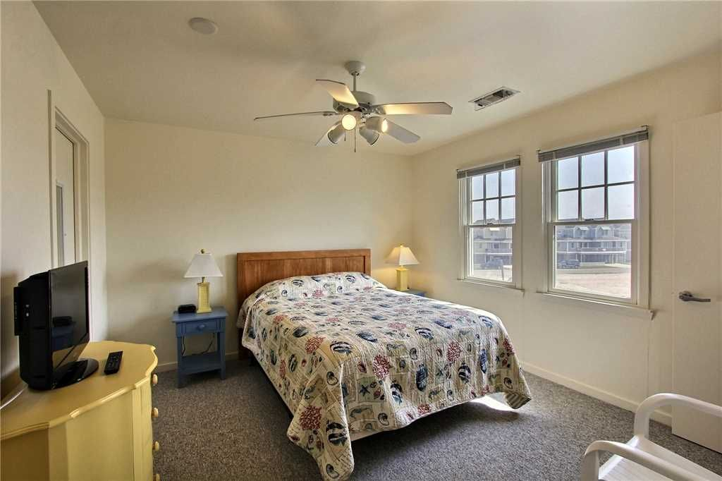 Striper 20a Cac 3 Br 2 Ba Townhome In Buxton Sleeps 6 Buxton Hatteras Island Outer Banks
