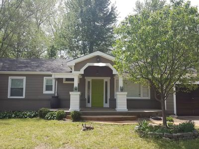 COZY 3 BEDROOM IN CENTRALIZED LOCATION!!!