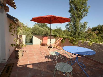 Photo for Between Alpilles and Cote Bleue apartment in a charming farmhouse with pool