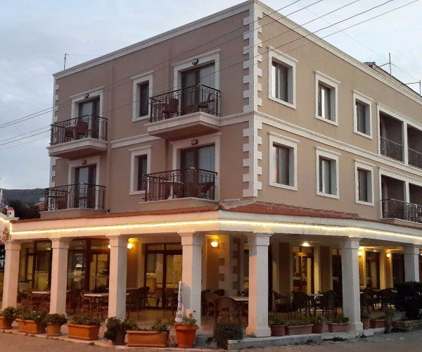 Boutique Hotel On The Seaside Of Foca Pax 2 Suite 3