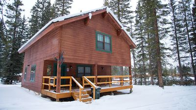 """The Silver Willows """"Sarva"""" Cabin is open year-round!"""