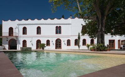 Photo for Villa ideal for large groups. Privacy and comfort. Pool / BBQ / Wifi 600MB