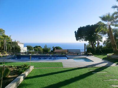 Photo for 3 bedroom Villa, sleeps 8 in Lloret de Mar with Pool, Air Con and WiFi