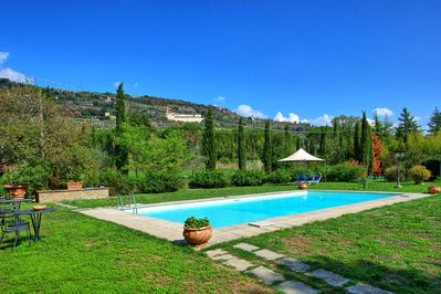 Beautiful villa with private pool situated on a large park near Cortona