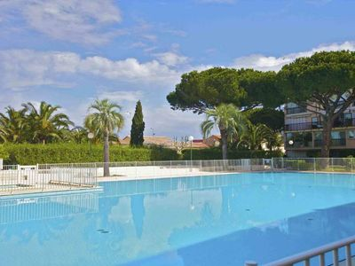 Photo for NEW! In the heart of Saint-Tropez: superb rental in a guarded gated residence with swimming pool, garden and parkin