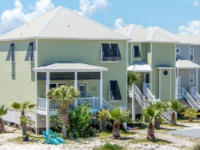 Photo for Beach Life - Beach House with all the extras: Kitchen & Living area updated 2018