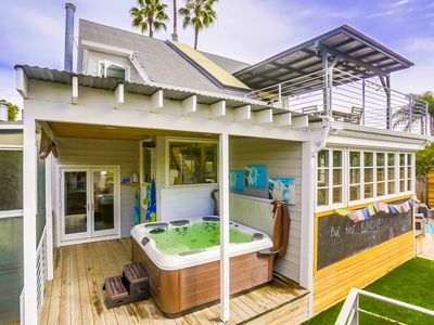 Sunshine and Sea Breezes in this Family Friendly Beach Getaway
