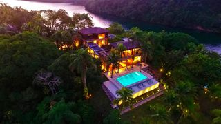 Ang018 - Private island in Angra
