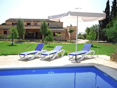 Photo for Large country house with pool for 16 + 2 people just 8 km from the sea
